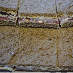 Sandwich surtido pan negro x 6